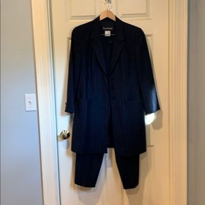Louis Feraud midnight blue pin striped pant suit.